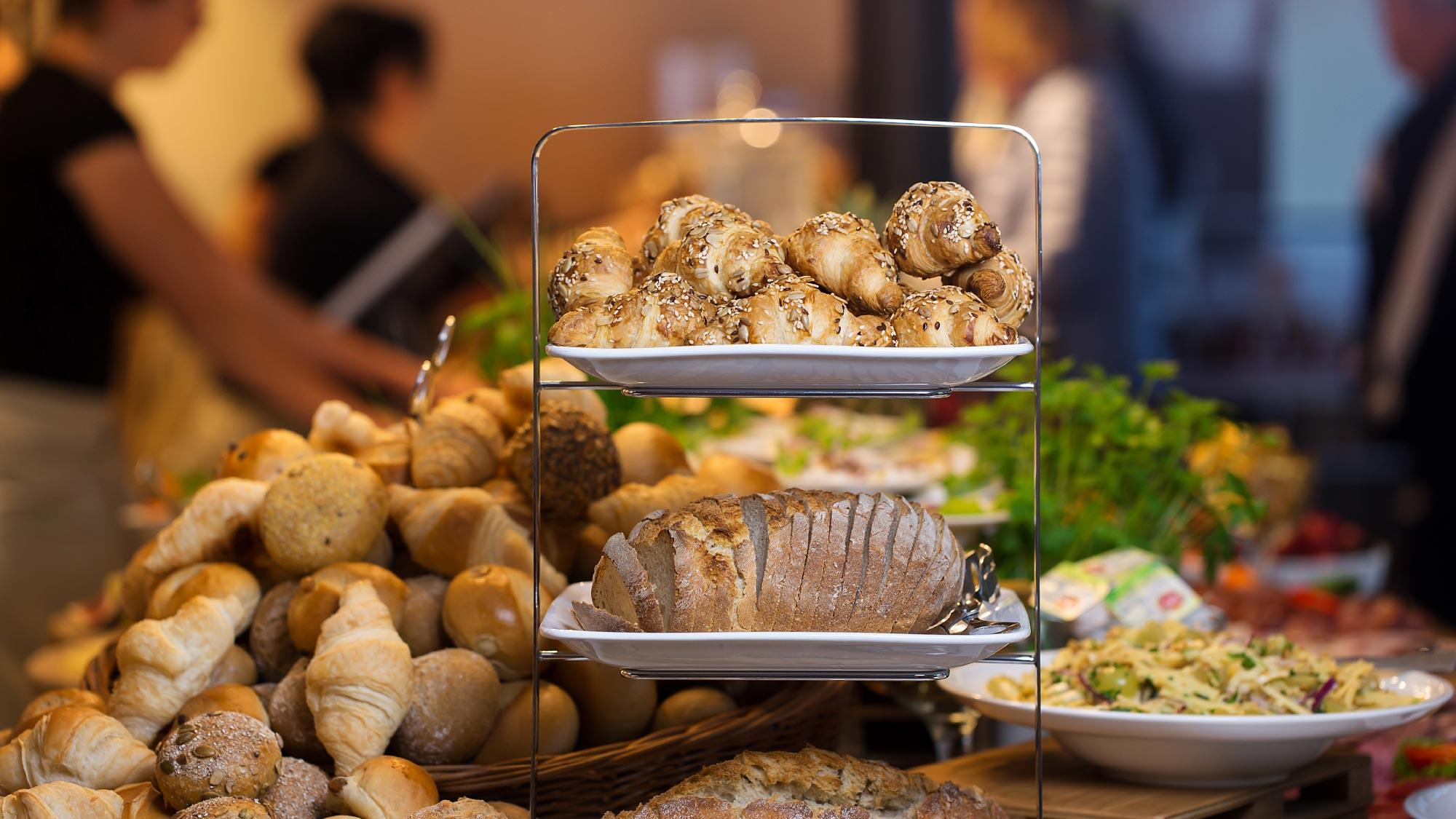 Frühstücksbuffet Bäckerei Dhein, Foto: Tamara Schlaupitz